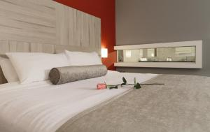 A bed or beds in a room at Crowne Plaza Lima, an IHG Hotel