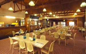 A restaurant or other place to eat at Seabrook Hotel
