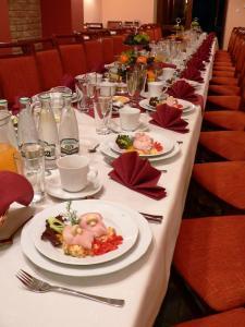 Restauracja lub miejsce do jedzenia w obiekcie Pensjonat Lira