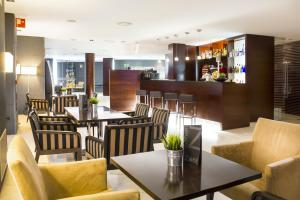 Un restaurante o sitio para comer en Zenit Lleida