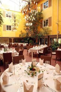 Ein Restaurant oder anderes Speiselokal in der Unterkunft Ringhotel Paulsen