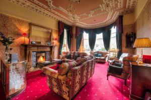 A seating area at Kildonan Lodge Hotel