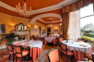 A restaurant or other place to eat at Kildonan Lodge Hotel