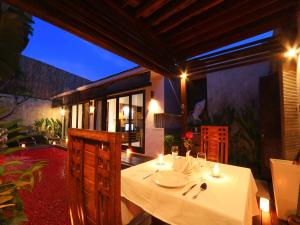 A restaurant or other place to eat at Grania Bali Villas