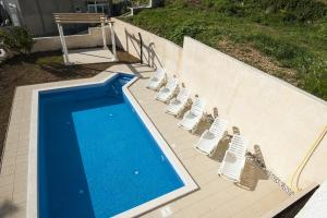 A view of the pool at Apartments Muller or nearby