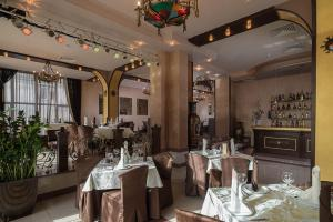 Ресторан / где поесть в АС Отель