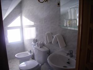 A bathroom at Hostal El Mirador