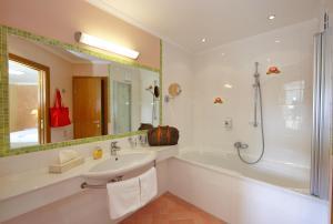 Ein Badezimmer in der Unterkunft Hotel Seerose