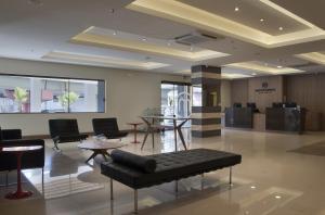 The lobby or reception area at Master Express Dom Pedro II - Aeroporto