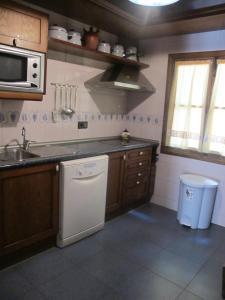 A cozinha ou kitchenette de Casa Rural Cuatro de Oros