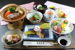 Breakfast options available to guests at Teiensaryo Yamanakako