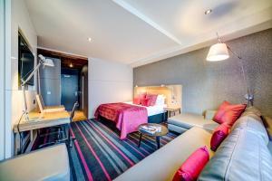 Гостиная зона в Apex City of Edinburgh Hotel