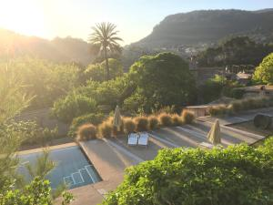 Widok na basen w obiekcie Mirabó de Valldemossa lub jego pobliżu
