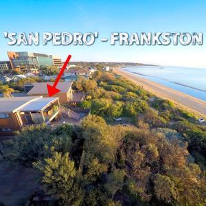 A bird's-eye view of Award Winning Beach Front Retreat