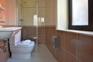 A bathroom at Royal