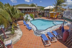 Uma vista da piscina em Rancho el Sobrino ou nos arredores