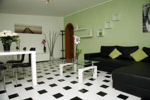 A seating area at De Amicis Apartment
