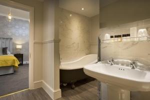 A bathroom at The Royal Wells Hotel
