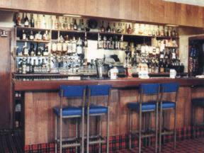 The lounge or bar area at Willowbank Hotel
