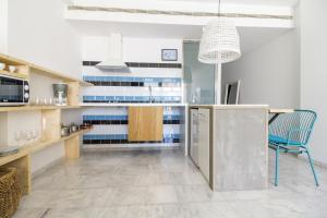 A kitchen or kitchenette at Marina Suites Gran Canaria
