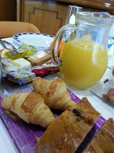 Breakfast options available to guests at Hotel Don Pepe
