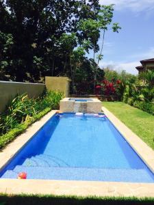 The swimming pool at or near Casa Los Sueños