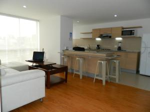 A kitchen or kitchenette at ITSAHOME Apartments Torre Seis
