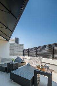 Balkon atau teras di Sakura Terrace The Gallery