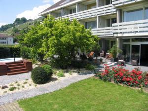 Ein Garten an der Unterkunft Ferienwohnungen Fontana