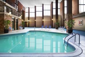 The swimming pool at or near Four Points by Sheraton Richmond Airport