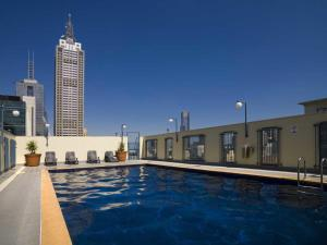 The swimming pool at or near CBD Vistas - StayCentral