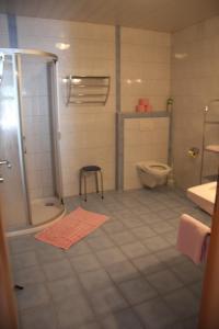 A bathroom at Haus Lutea