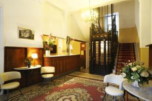 Hall o reception di Hotel Alfieri