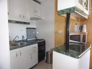 A kitchen or kitchenette at Apartment El Colorado Snowboard