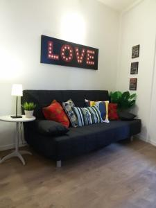 A seating area at Appartamento Zeno