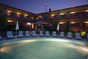 Πισίνα στο ή κοντά στο Hotel Zeus