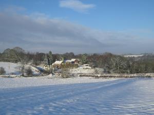 Peakstones Inn during the winter