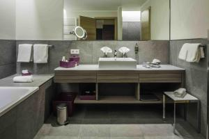 Ein Badezimmer in der Unterkunft Bio- und Wellnesshotel Alpenblick