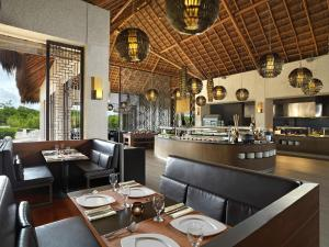 A restaurant or other place to eat at Paradisus Playa del Carmen
