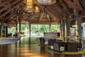 A restaurant or other place to eat at Sheraton New Caledonia Deva Spa & Golf Resort