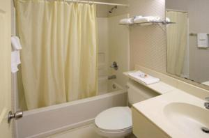 A bathroom at America's Best Value Inn and Suites Albemarle