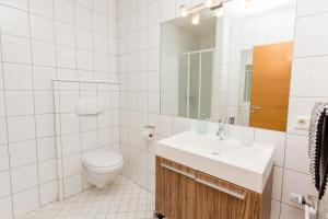 A bathroom at Hotel Keilir by Keflavik Airport