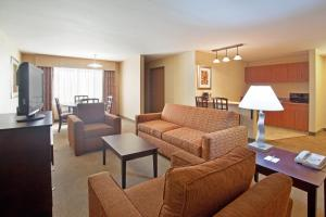 A seating area at Holiday Inn Express Hotel & Suites Nogales, an IHG hotel