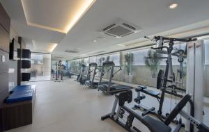 The fitness center and/or fitness facilities at Promenade Prime Itaboraí