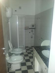 A bathroom at Domo Serra E Mesu