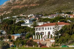 A bird's-eye view of Whale View Manor Guesthouse & Spa