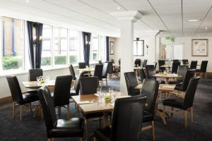 A restaurant or other place to eat at The Harlow Hotel By AccorHotels