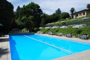 Der Swimmingpool an oder in der Nähe von Hotel&Hostel Montarina