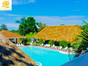The swimming pool at or near Hotel Las Hamacas