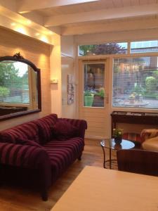 A seating area at Studio Lakeside Spiegelplas